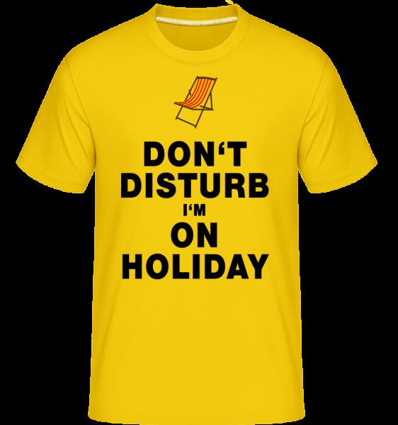 Nerušit, že jsem na dovolené - Lehátko - Shirtinator tričko pro pány - Zlatožlutá - Napřed